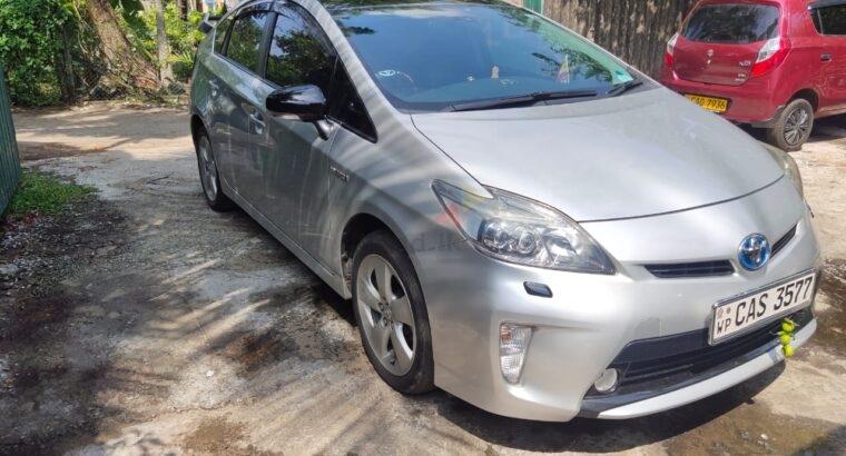Toyota Prius G Touring 2013