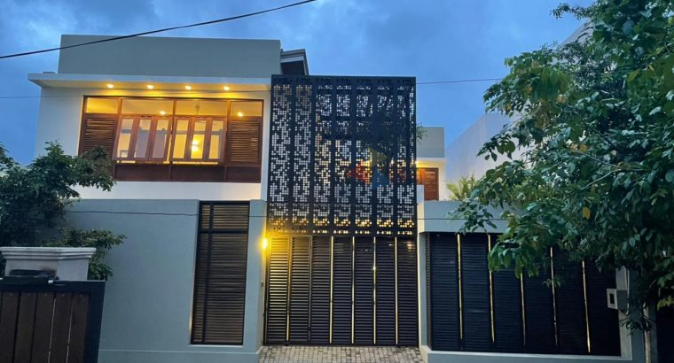 Semi Furnished Luxury House For Sale In Gampaha