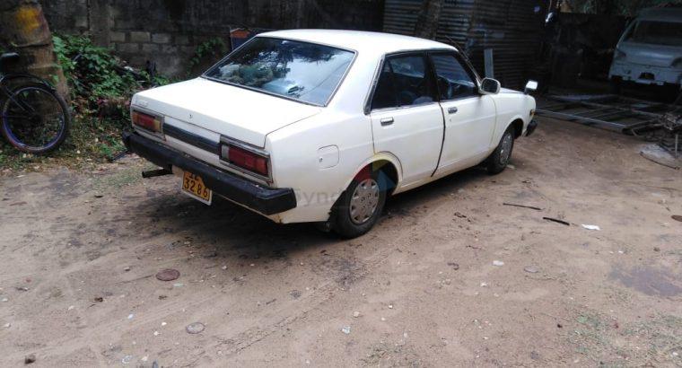 Nissan Dutsun Whait 1989